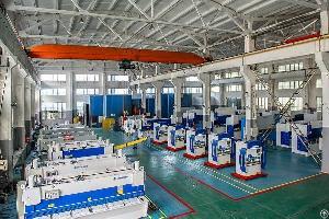 cnc press brake plate bending machine workshop