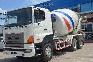 Zoomlion Cifa / Hino700 Concrete Mixer Truck
