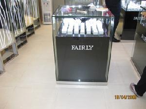 display cabinets jewellery trade