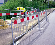pedestrian barricades crowd control barrier