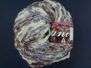 Yarn Of Wool Nylon Mixed