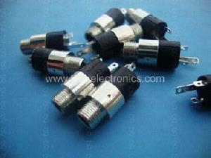 3.5mm Enclosed Panel Mounting Stereo Jack Socket Wqp-pj3920