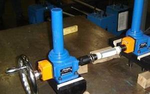 Manual Screw Jacks Adjust Roll Forming Mills Backlash